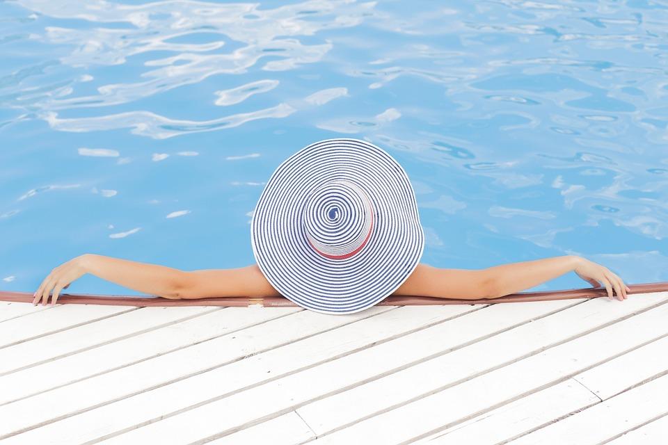 Elegir o reformar una piscina de jardin